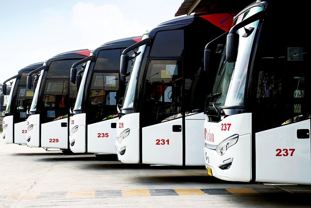 Armada Bus Pariwisata, sumber : Wisatabromo.Net
